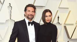 Herec Bradley Cooper a jeho partnerka Irina Shayk v kreácii Burberry.