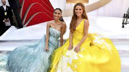 Moderátorky Elaine Welteroth (vľavo) a Maria Menounos na vyhlásení Oscarov.