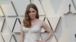 Nominovaná herečka Amy Adams a jej kreácii Atelier Versace.