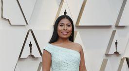 Nominovaná mexická herečka Yalitza Aparicio v šatách Rodarte.