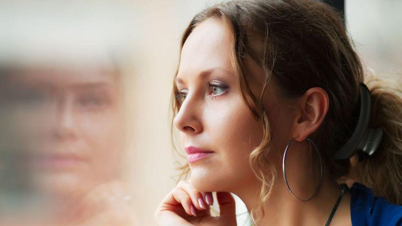 žena, pohľad, okno