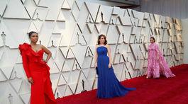 Zľava: Pozvané dámy Jennifer Hudson, Tina Fey a Maya Rudolph.