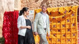 Princ Harry a jeho manželka Meghan počas príchodu do Andalúzskych záhrad v marockom Rabate.