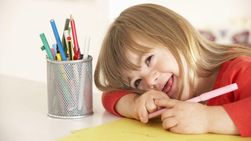 dieťa, kreslenie, farbičky