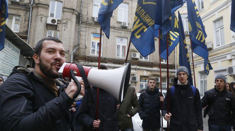 Ukrajina Porošenko suspendovanie Hladkovskij...