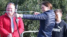 Vojvodkyňa Kate z Cambridge navštívila mládežnícke centrum Roscor Youth Village,.