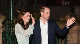 Vojvodkyňa z Cambridge Catherine a jej manžel princ William navštívili v Belfaste Empire Music Hall. Catherine si na seba obliekla lurexové šaty značky Missoni.