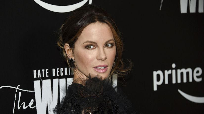 Herečka Kate Beckinsale na premiére seriálu The...