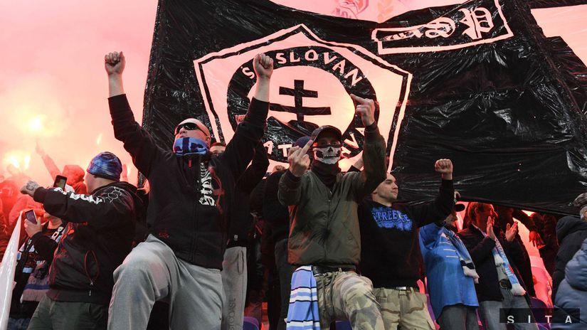 FUTBAL-FL: Bratislava - Trnava fanúšikovia