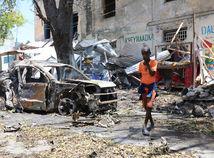 somálsko, mogadišo, afrika, teroristický útok, bomba, auto, chlapec,