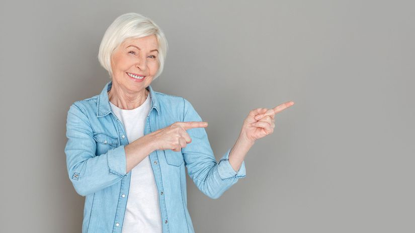 dôchodkyňa, seniorka, úsmev