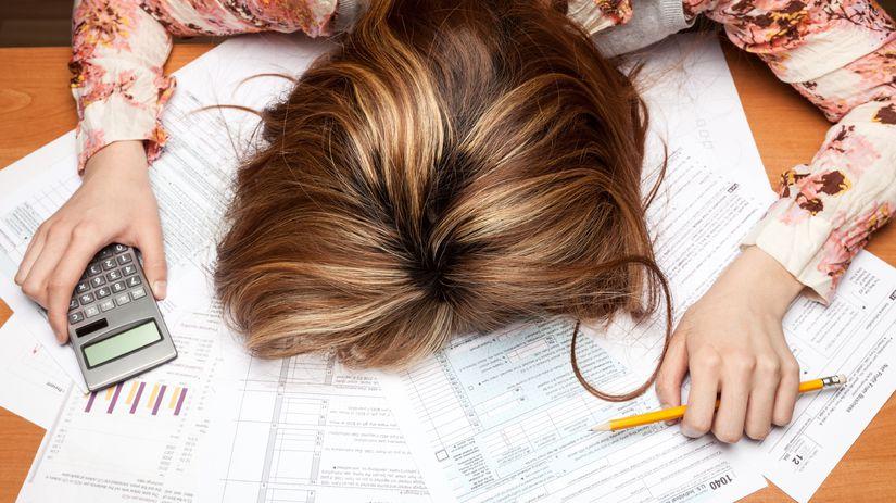 žena, zúfalosť, dane, dokumenty, papiere