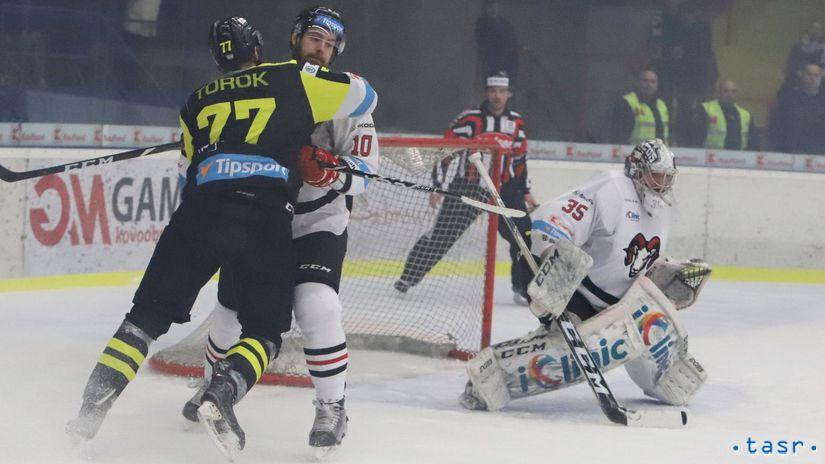 SR šport hokej TL štrťfinále Detva Banská...