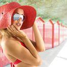 žena, klobúk, leto, okuliare, dovolenka, opaľovanie, cestovanie, kabínky, pláž, slnko, plavky