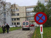 nemocnica, sanitka, levice
