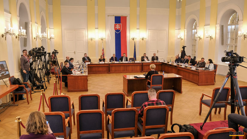 vypocuvanie kandidatov na sudcov ustavneho sudu SR