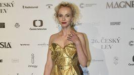 Herečka Jana Plodková v kreácii Vivienne Westwood.