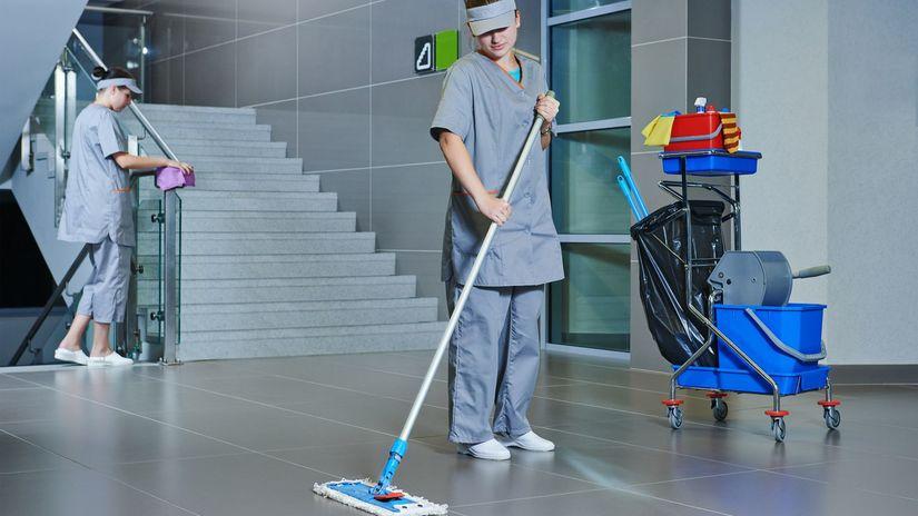 podlaha, upratovanie, upratovačka