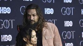 Manželia Lisa Bonet a Jason Momoa prišli spoločne na premiéru záverečnej série Hra o tróny.