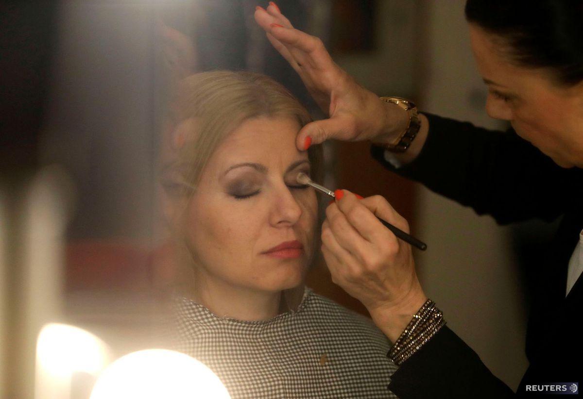 Zuzana Čaputová, maľovanie, make up, prezidentka