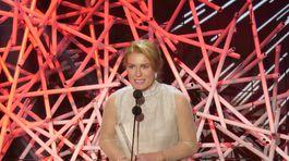 Olga Menzelová prevzala cenu za manžela Jiřího.