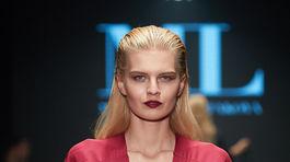 Modelka a aktuálna Miss Slovensko Dominika Grecová počas prehliadky kolekcie Jar/Leto 2019 od Michaely Ľuptákovej.