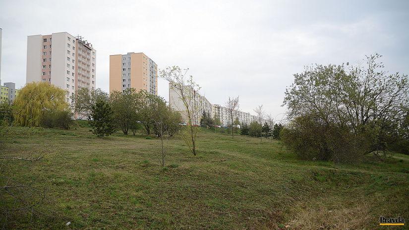 06-pozemok-4x