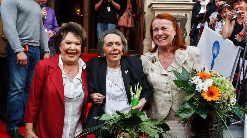 Jiřina Bohdalová, Jiřina Jirásková a Iva Janžurová