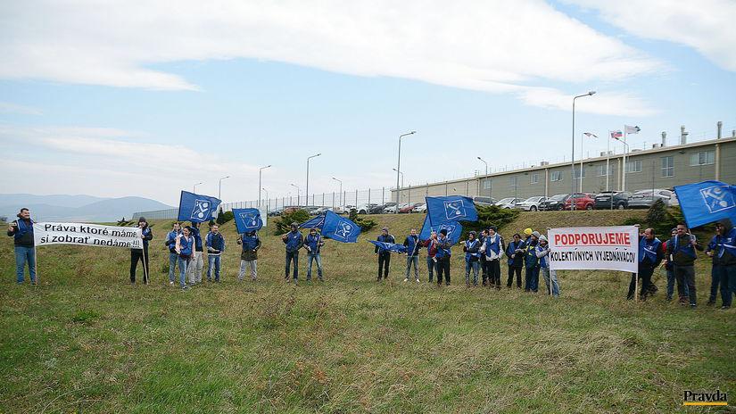 kechnec, protest, OZ KOWO Crown Bevcan, plechovky