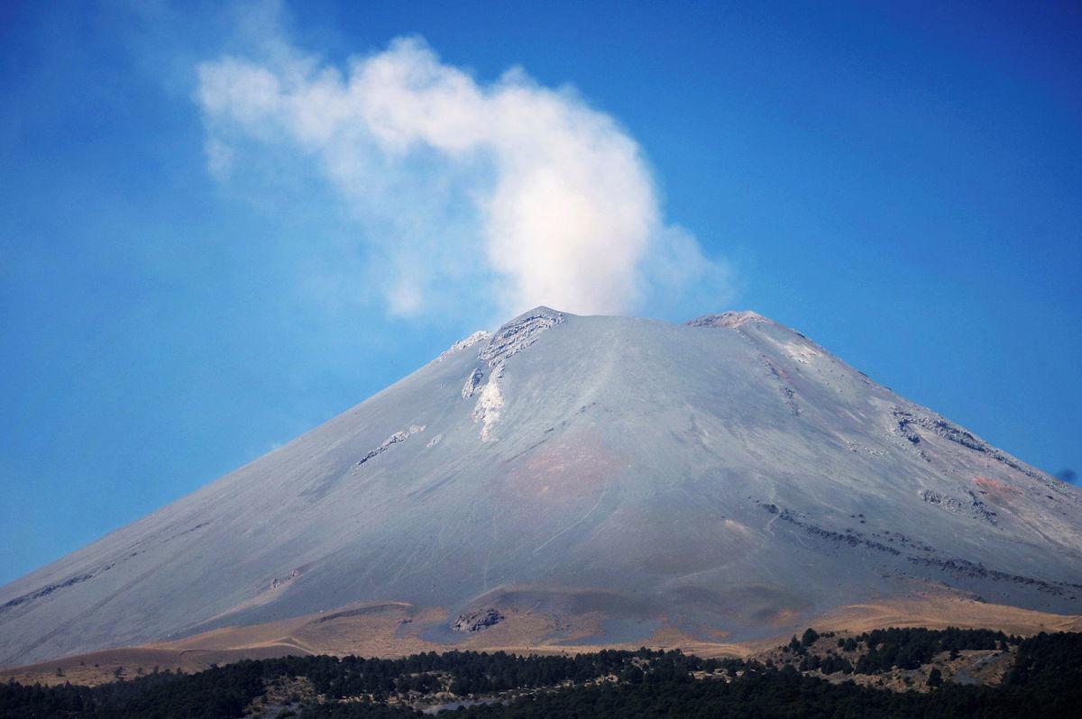 Mexiko, vulkán,  sopka Popocatepetl