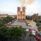 Konštrukcia Notre-Dame je stále vystavená rizikám, upozornil Castaner