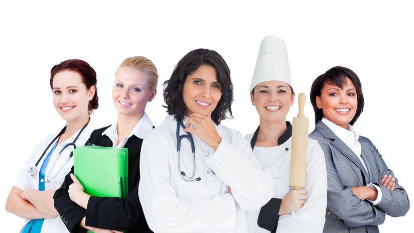 absolventi, zamestnanci