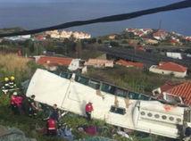 Nehoda turistického autobusu na Madeire si vyžiadala 29 mŕtvych