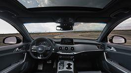 Kia Stinger GTS - 2019