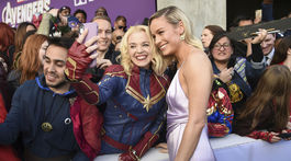 Herečka Brie Larson sa ochotne fotografovala s fanúšikmi na premniére Avengers: Endgame.