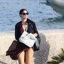Herečka Monica Bellucci na zábere z pobrežného mesta Sabaudia.