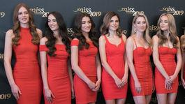 Finalistky súťaže krásy Miss Slovensko 2019 počas tlačovej konferencie k finálovému večeru súťaže spojenej s voľbou Miss Press.