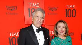 Líderka demokratov, demokratická predsedkyňa Snemovne reprezentantov Nancy Pelosi prišla s manželom.