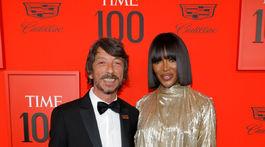 Taliansky dizajnér Pier Paolo Piccioli a britská modelka Naomi Campbell pózovali spoločne.