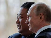 Putin si prisadol za kórejský stôl