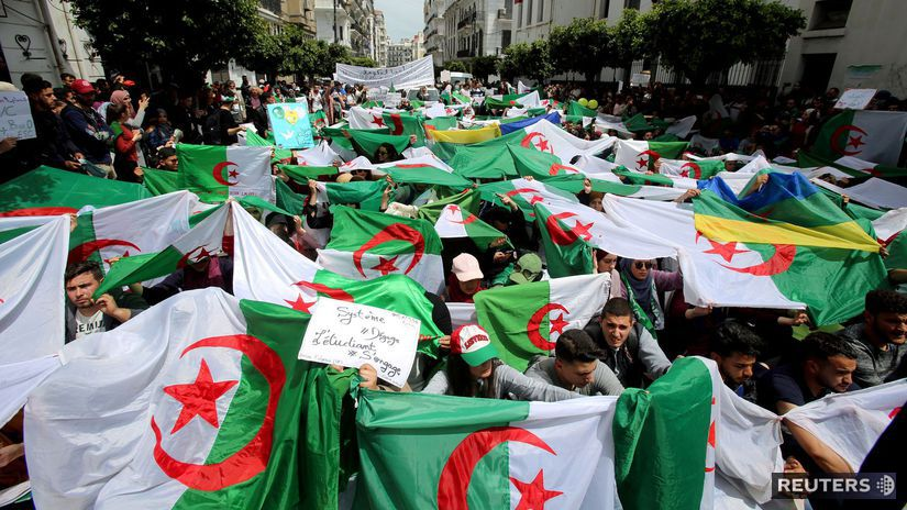 Alžírsko / demonštrácie /