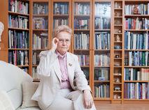 Schmögnerová: Ľudia sú nenásytní a dajú sa zviesť