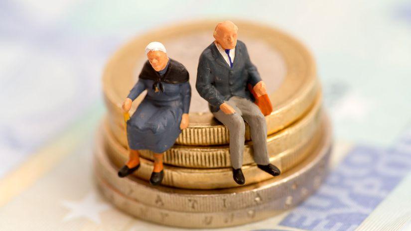 dôchodci, penzisti, seniori, peniaze