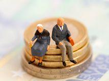 Česko bez II. piliera valcuje Slovensko vo zvyšovaní penzií