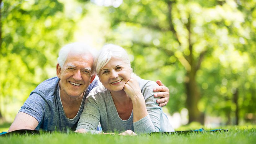 dôchodci, seniori, penzisti