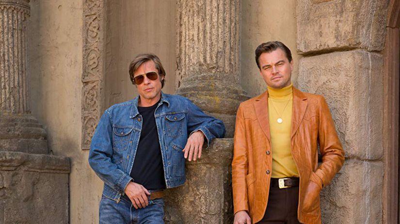Herečka Brad Pitt (vľavo) a Leonardo DiCaprio...