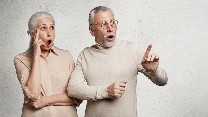 dôchodcovia, penzisti, seniori