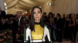 Herečka Jennifer Connelly prišla v kreácii Louis Vuitton.