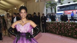 Lilly Singh na otvorení výstavy Camp: Notes on Fashion.