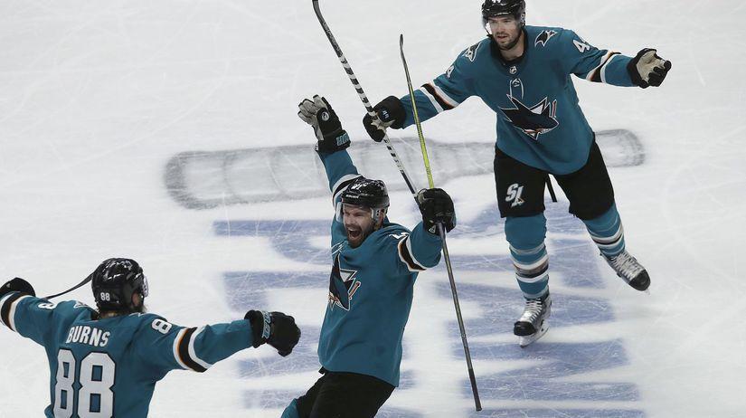 APTOPIX Avalanche Sharks Hockey NHL